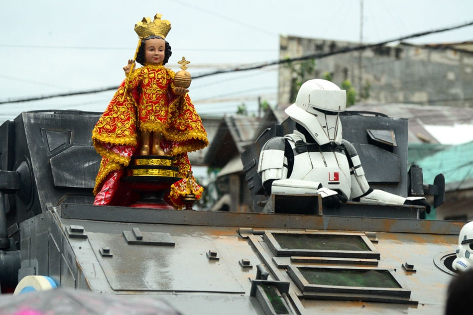 LOOK: Large-scale Star Wars vessels join Sinulog parade