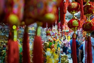 Pinoys buy lucky charms ahead of Chinese New Year