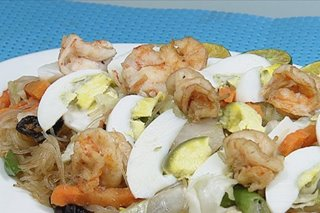 RECIPE: Sotanghon guisado with shrimp