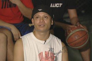 Pinoy rapper nagpapaganda ng mga basketball court