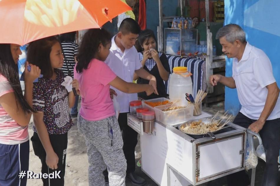 Tatay sa Pangasinan, nakapagpatapos ng mga anak sa pagtitinda ng fish ball