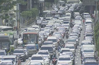 Payday na sinabayan ng holiday rush nagdulot ng 'Friday the 13th' traffic sa EDSA