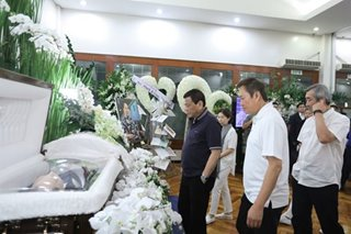 Duterte pays respects to the late Henry Sy