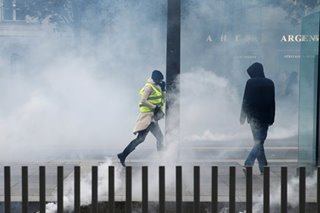 France's 'yellow vest' protesters return to streets