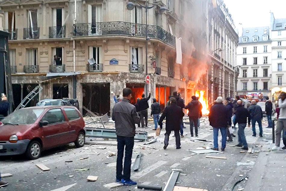 2 firefighters, Spanish tourist killed in Paris gas-leak blast 1