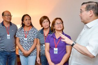 Locsin meets with kin of newlyweds who drowned in Maldives