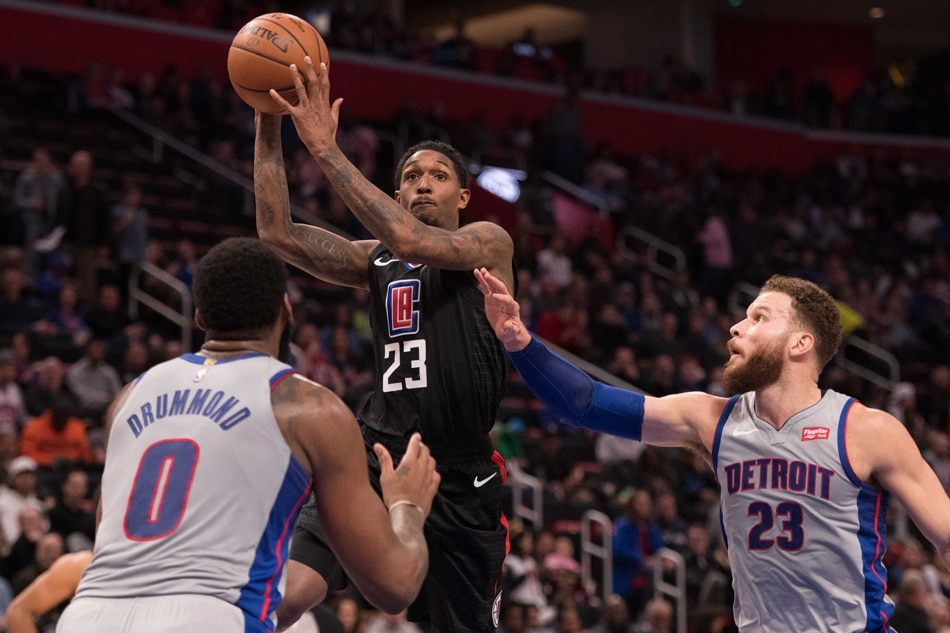 Clippers wipe out 25-point deficit, Pistons get booed