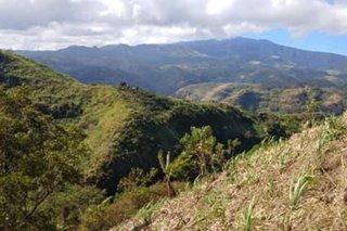 Pulis pumalya ang baril, sugatan sa engkuwentro sa Negros Occidental