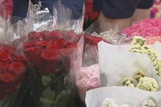 Presyo ng mga rosas sa Dangwa tumaas na, 3 araw bago mag-Valentine's
