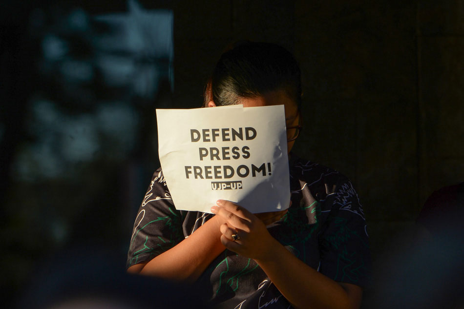 Students call for press freedom following Ressa arrest