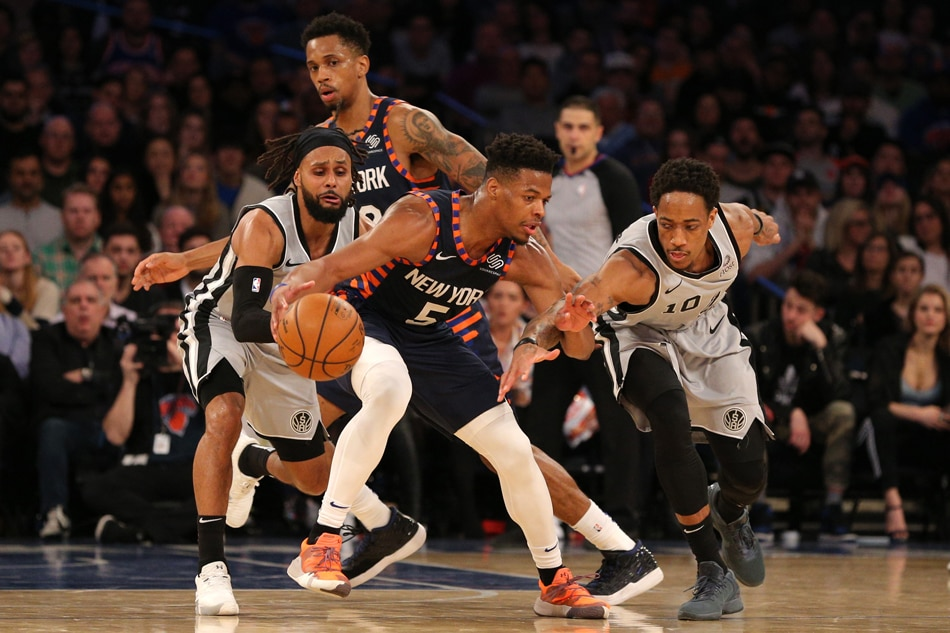 Knicks beat Spurs to end 18-game home skid