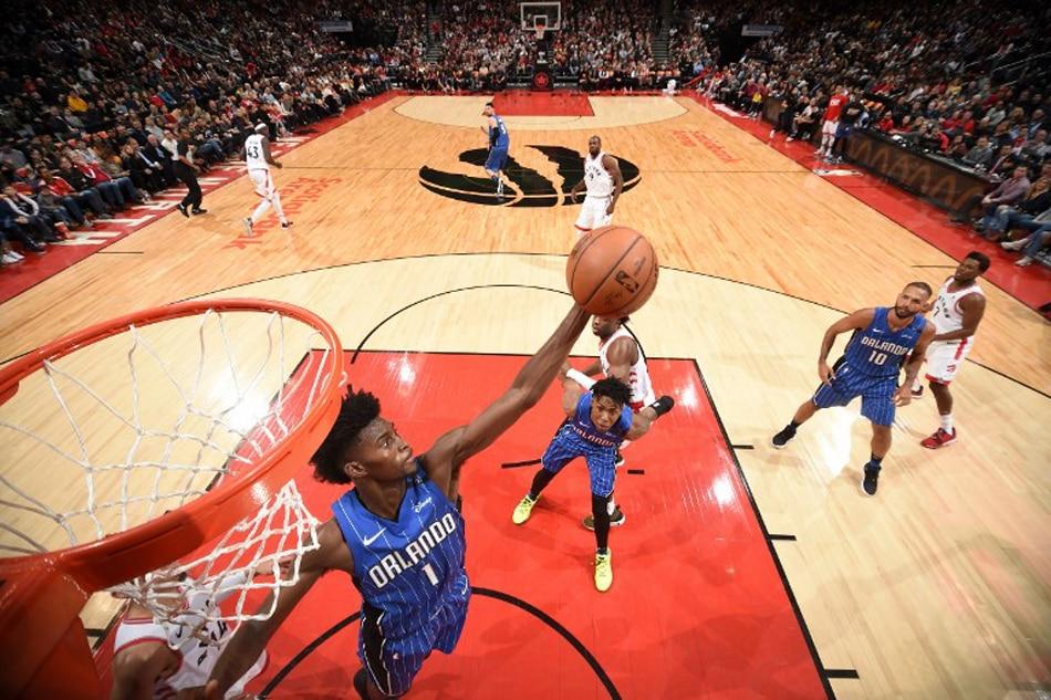 Magic end Raptors' winning streak at 7 with 113-98 victory