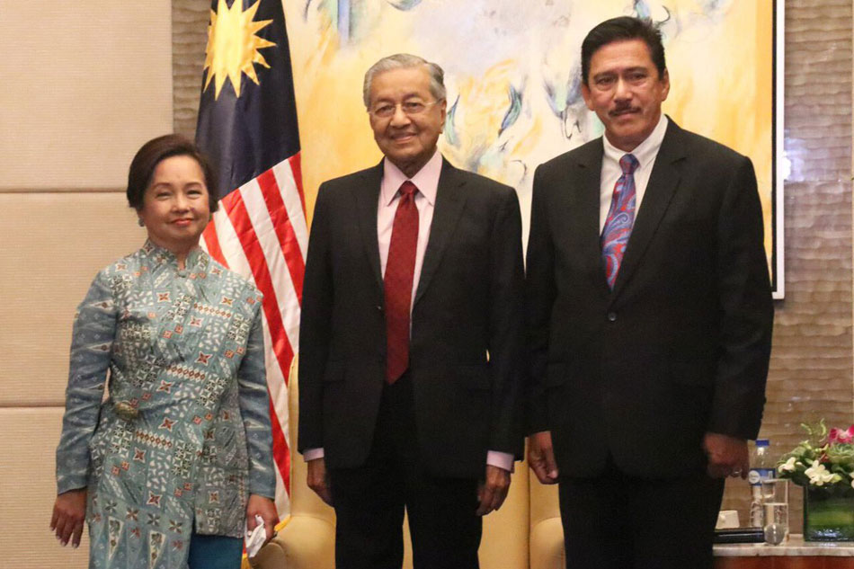Malaysia's Mahathir meets with PH Congress leaders
