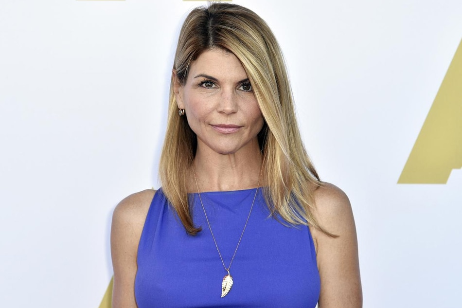lori loughlin dropped from hallmark channel roles after cheating scandal news in the philippines. Black Bedroom Furniture Sets. Home Design Ideas