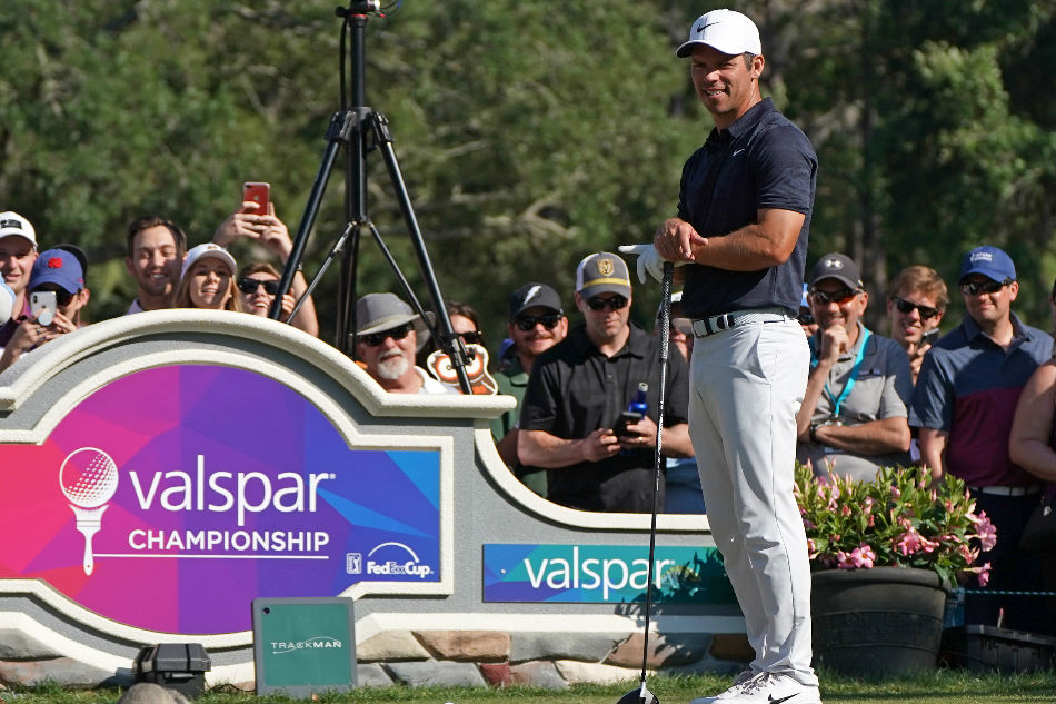Casey first to win back-to-back titles at Valspar