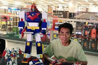 Toymaker uses discarded flip-flops to make Voltes V, robot toys