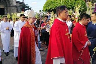 Heal those who hurt you, Tagle urges Catholics on Palm Sunday