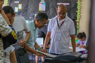 Chel Diokno votes in San Juan