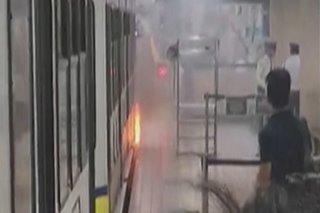 Tren ng LRT-1 nagliyab sa Maynila Martes ng gabi