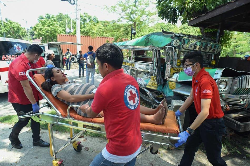 15 injured in Manila vehicular accident