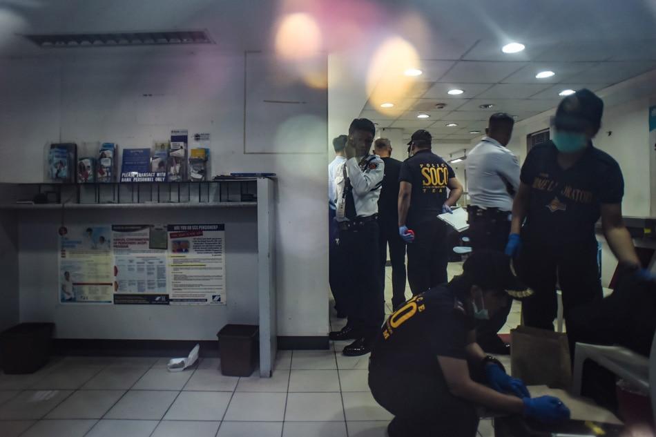 SOCO team investigates Binondo bank robbery