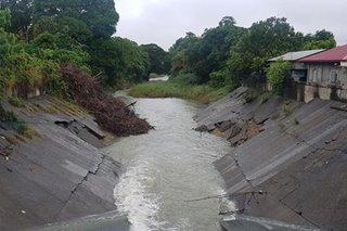 Protected slope ng dam, ikinababahalang gumuho