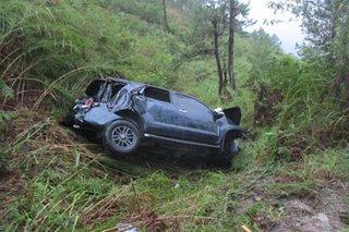 Filipino killed, 5 Chinese injured after SUV falls into ravine