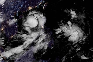 Jenny exits land, churns toward Lingayen Gulf