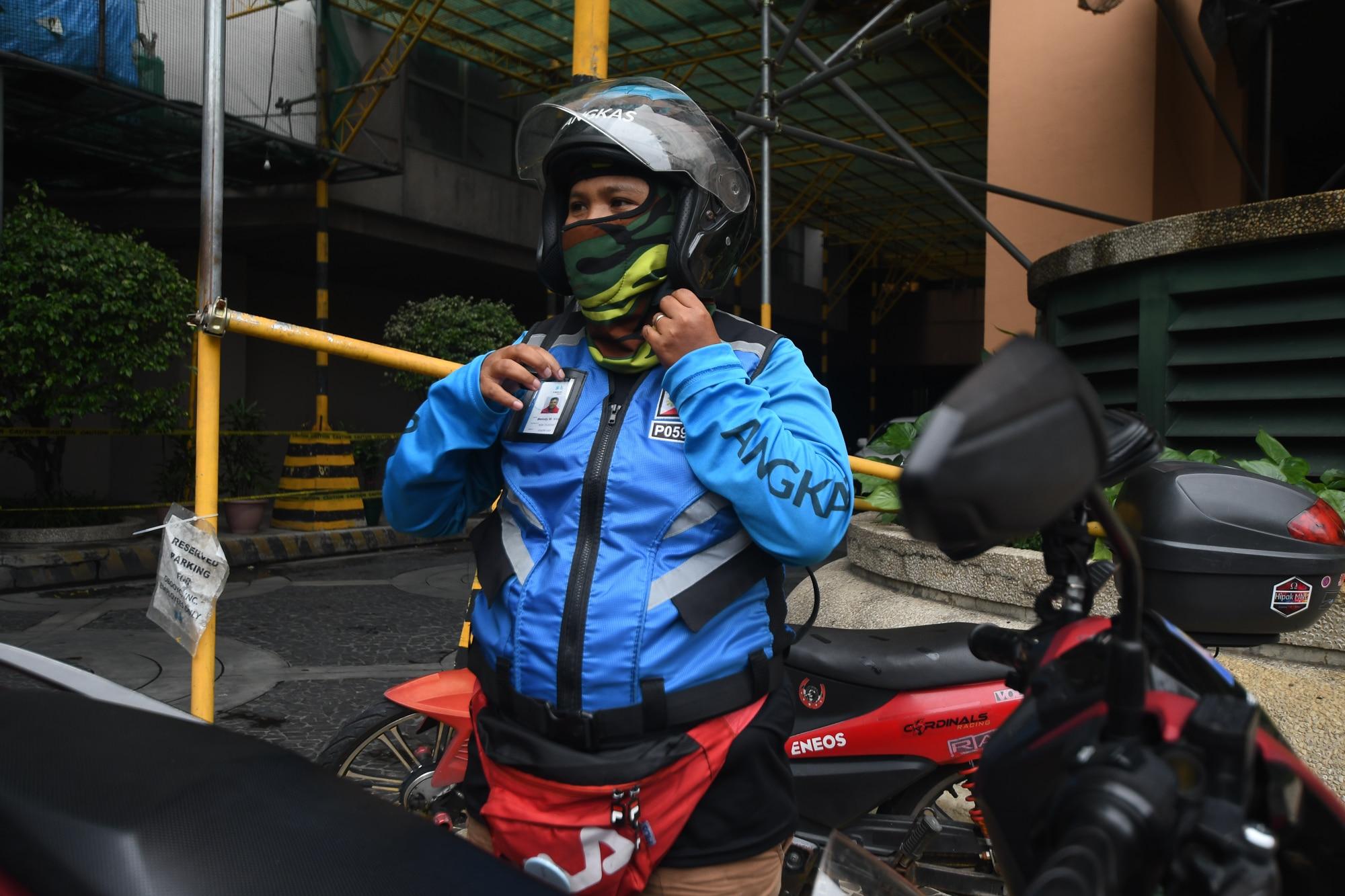 Motorcycle taxis beat metro gridlocks, satisfy milk tea cravings 2