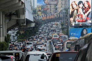 Lawmaker wants private cars out of EDSA during rush hours