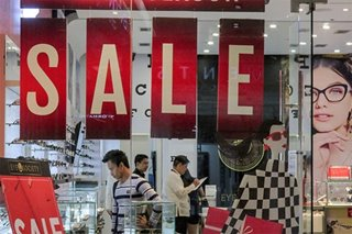 MMDA eyes ban on weekday mall sales this holiday season