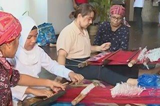 Paghahabi itinuturo sa mga kabataan sa Zamboanga City