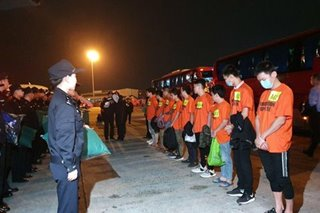 Higit 300 Tsino na sangkot sa 'telecom fraud' ipina-deport