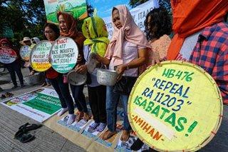Women farmers denounce rice tariffs