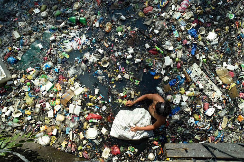 Environment chief: PH facing 'garbage crisis' 1