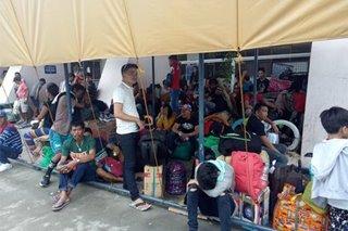 Mga stranded dahil sa 'Ursula' sa pantalan magpa-Pasko