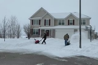 US Midwest grapples with winter storm