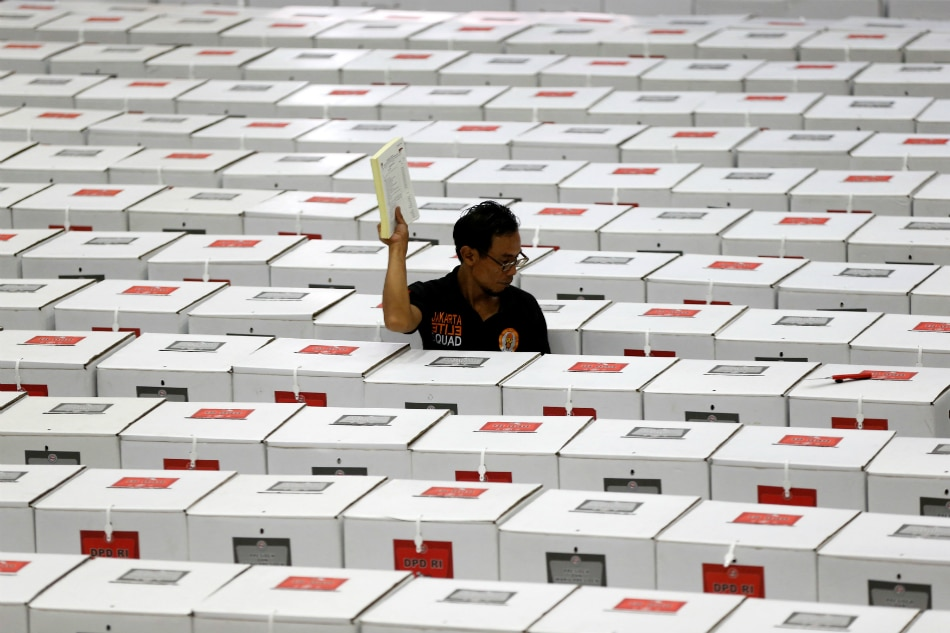 Indonesians vote in vast democratic exercise