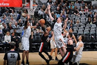 NBA: Spurs topple Blazers for 8th straight win