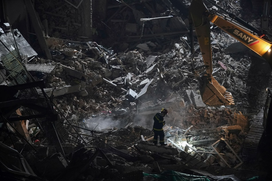 10 killed in Shanghai building collapse