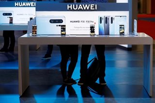 China accuses FedEx of 'holding up' Huawei parcels