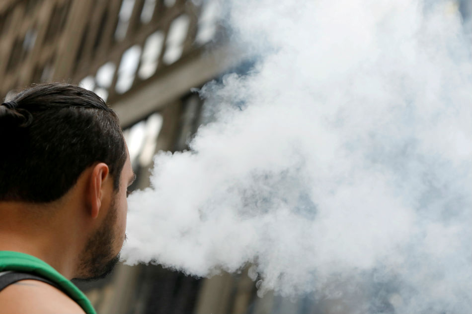 New York moves to ban flavoured e-cigarettes amid vaping concerns