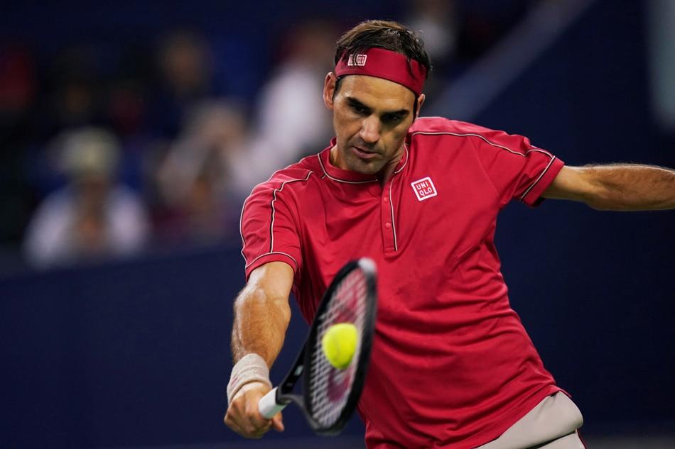 Tennis: Flustered Federer edges into Shanghai quarter-finals