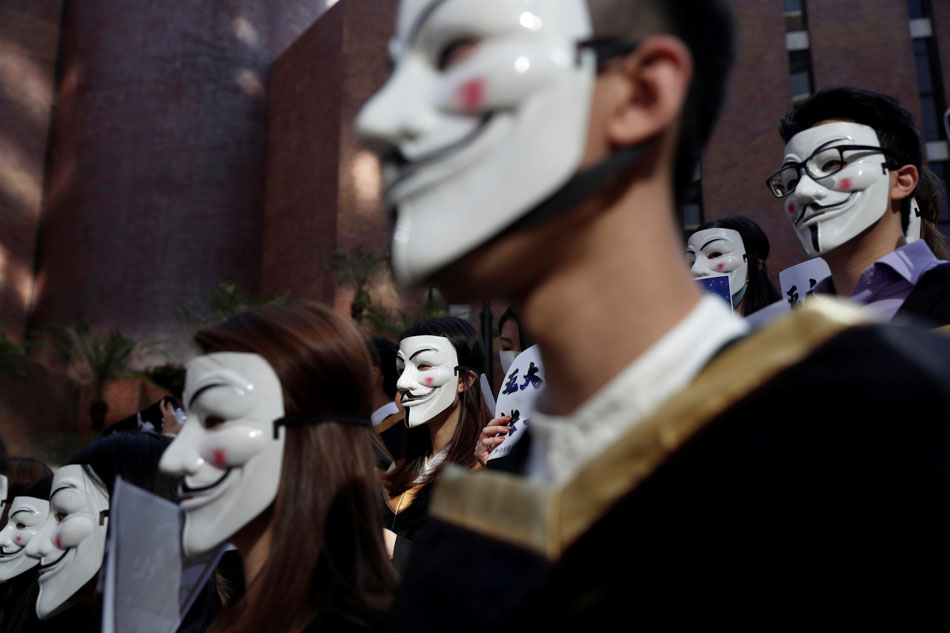 Graduating HK students back pro-democracy movement