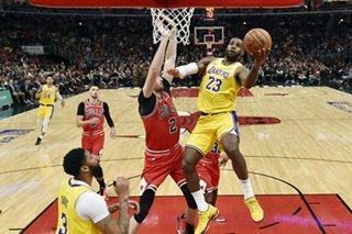 NBA: LeBron's triple-double rallies Lakers past Bulls