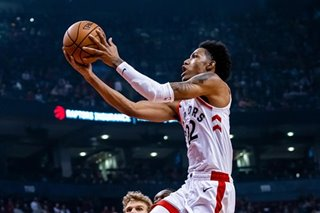 NBA: Raptors' McCaw has knee surgery to remove mass