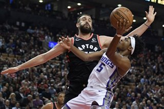 NBA: Kings' Fox to miss 3-4 weeks with sprained ankle