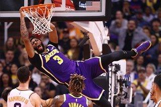 NBA: Lakers shoot past Suns in closing minutes
