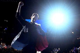 Tennis: Federer outclasses Djokovic to reach ATP Finals semis