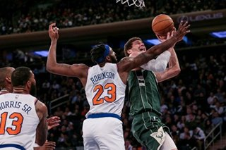 NBA: Bucks hammer Knicks, match best start in team history